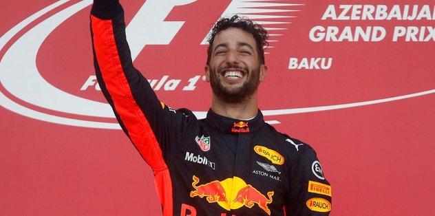 Azerbaycan'da kazanan Ricciardo oldu