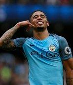 Manchester City, Leicester'ı devirdi