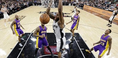 Spurs'ten Lakers'a 40 sayı fark