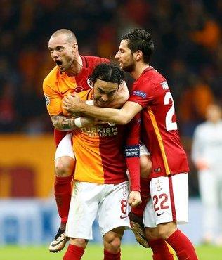 Adanaspor ma�� kadrosunda Sneijder ve Hakan yok!