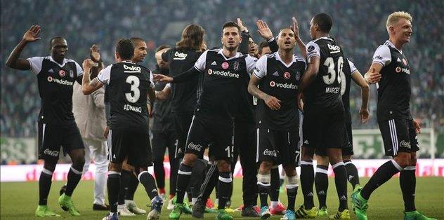 Besiktas reclaims league's top spot