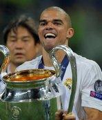 Zidane'a ve yönetime veda etmedi!