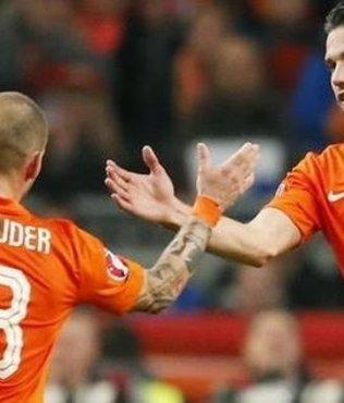 Hollanda aday kadrosu a��kland�