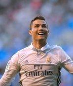 "Ronaldo ""hat-trick"" yaptı"