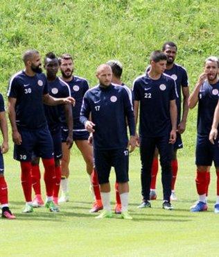 Antalyaspor'un Salzburg kampı devam ediyor