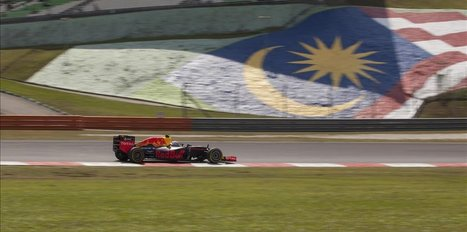Australian F1 fans detained in Malaysia