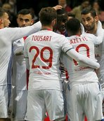 Lyon'un gecesi: 4-2
