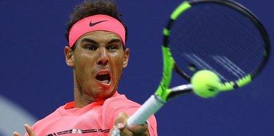 Nadal ve Federer dördüncü tura yükseldi