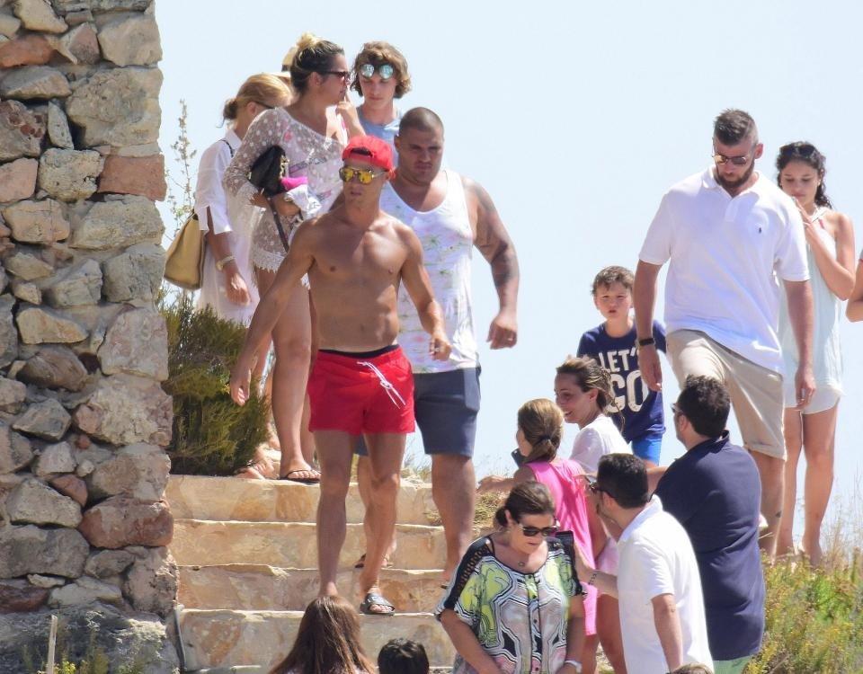 Cristiano Ronaldo'nun yatına polis baskını