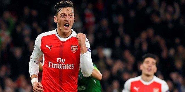 Mesut Özil'den hat-trick