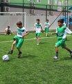 Suriyeli çocuklar Topal'la sevindi