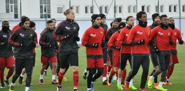 Es-Es, Süper Lig için çalışmaya devam ediyor