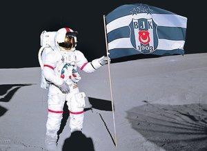 Uzaya Beşiktaş bayrağı