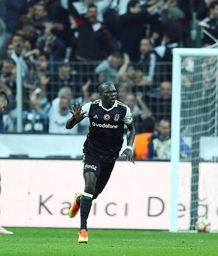 """Aboubakar, G.Saray'�n kap�s�ndan d�nd�"""