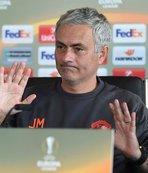 M.United teknik direktörü Mourinho: