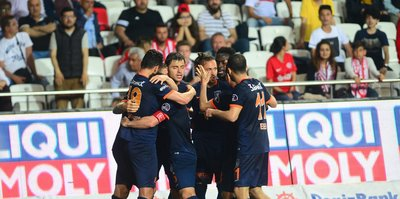 Medipol Başakşehir kupa mesaisinde