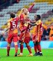 Sneijder maça damgasını vurdu!