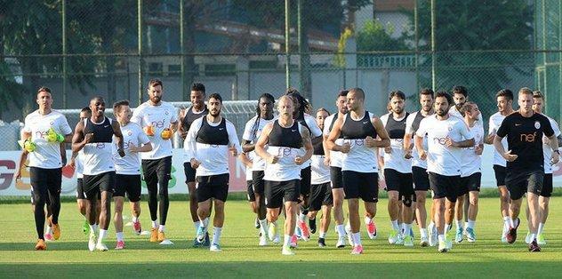 Galatasaray kamp için yola çıktı