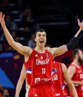 Sırbistan, Rusya'yı devirdi