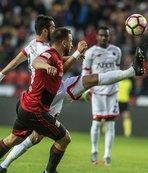 Serdar Gürler'den altın gol