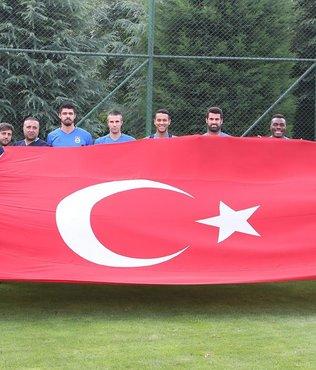 Bursaspor haz�rl�klar� ba�lad�