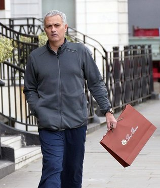 Mourinho yaln�zl�ktan �ikayet�i