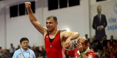 Serbest güreşte bir altın ve bir bronz madalya