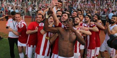 TFF ve Fatih Terim'den Sivasspor'a tebrik mesajı