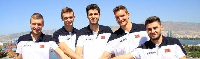 Arkas Spor'da toplu imza töreni düzenlendi