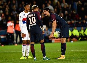 Neymar-Cavani krizinin ardı arkası kesilmiyor!