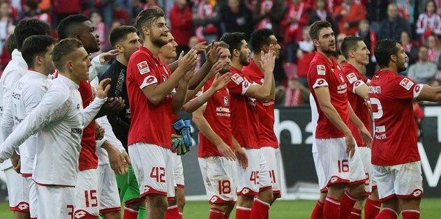 Darmstadt'ı 2-1'le geçti