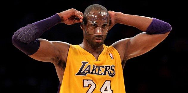 Kobe Bryant'ın maskesi satışa çıkıyor