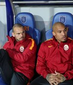 Sneijder ve De Jong Hollanda yolcusu