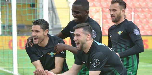 Akhisar Belediyespor'u rahatlatan galibiyet