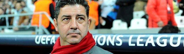 70 bin kapasiteli stadı olan takımın teknik direktörü: