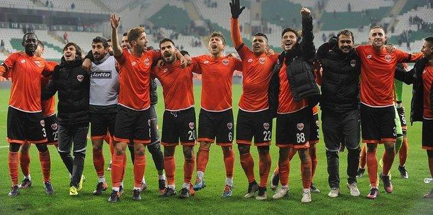 Adanaspor'dan ilk deplasman galibiyeti