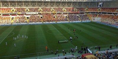 Yeni stadın kapıları Bursa maçıyla açıldı