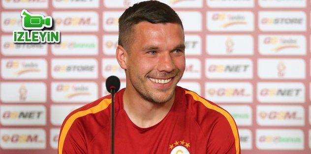 Lukas Podolski veda etti