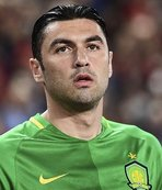 Burak Yilmaz comes home to Trabzonspor