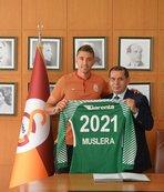 Muslera 2021'e kadar Galatasaray'da