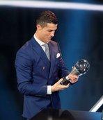 Messi ve Griezmann'ı geçti