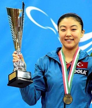 Melek Hu, masa tenisinde �ampiyon oldu