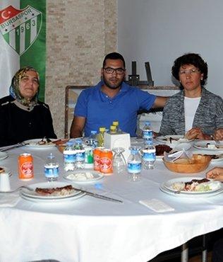 Bursasporlu futbolcular yemekte bulu�tu
