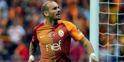 Sneijder'den taraftara müjdeli haber: Kalıyor!