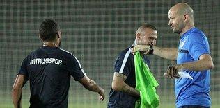 Antalyaspor, altyapı hocasına emanet