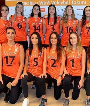 Turkey's Eczacibasi retain world title