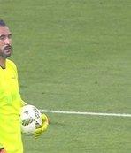 Beşiktaş'ın eski golcüsünden kalecilik performansı