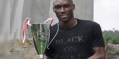 Beşiktaş'ta yılın futbolcusu Atiba seçildi