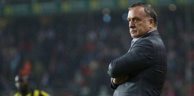 Advocaat'ın Sneijder ve Van Persie kararı