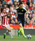 Arsenal, Şampiyonlar Ligi iddiasını sürdürdü